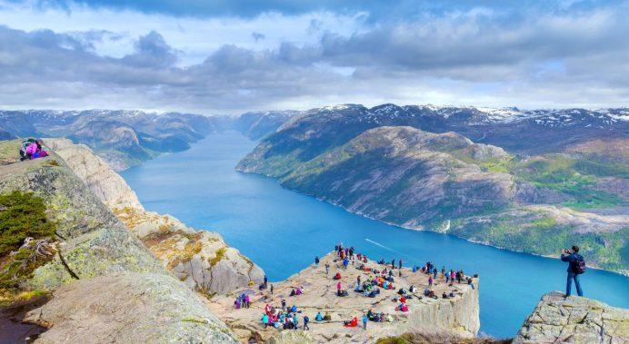Preikestolen-Norveç
