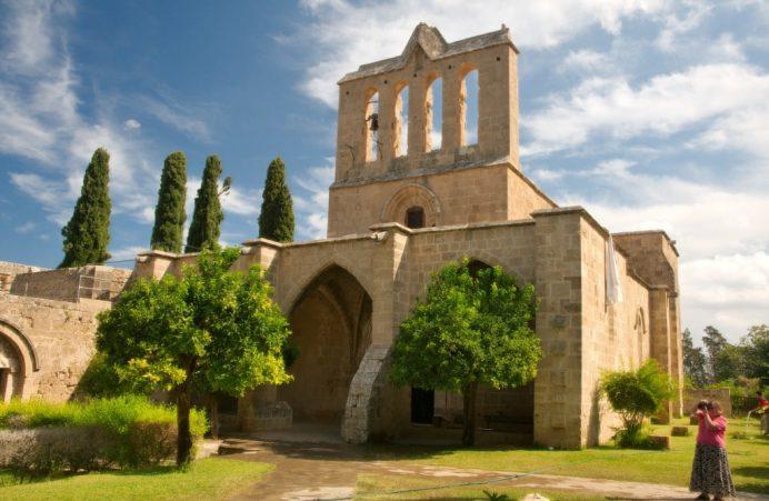 bellapais-kıbrıs-gezilecek-yerler
