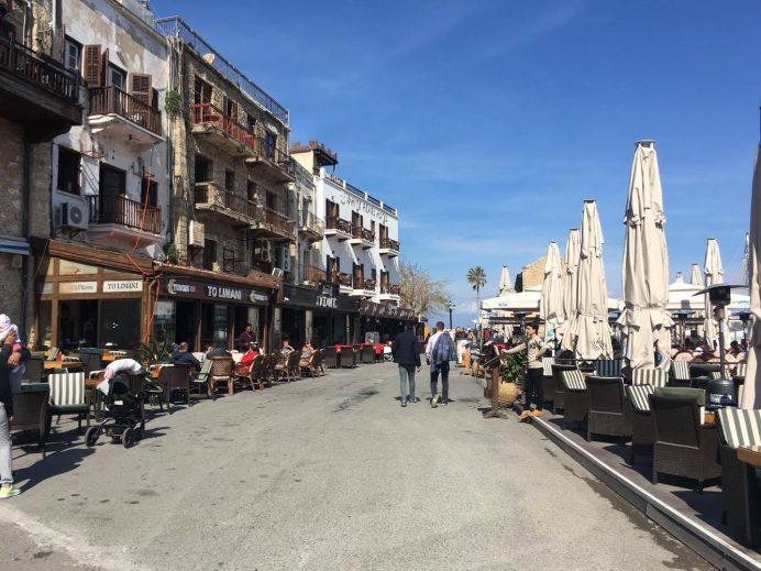 kıbrıs-yat-limanı-cafeler