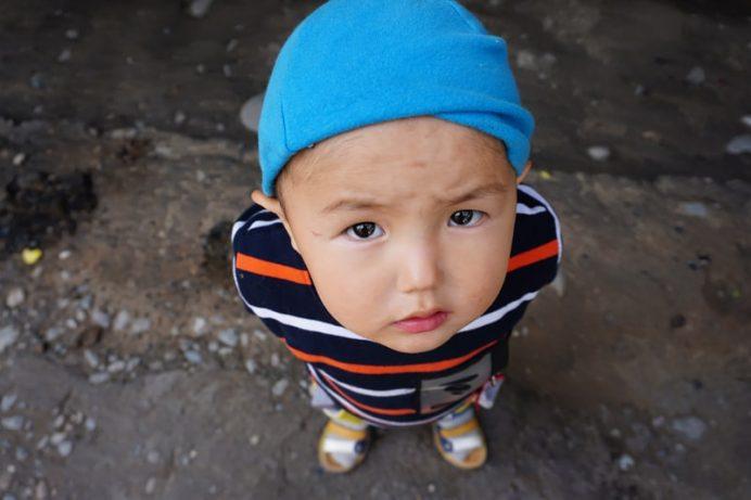 kırgızistan_insanlari_cocuklari