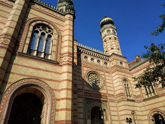 budapeste_gezilecek_yerler_dohany_sokagi_sinagogu
