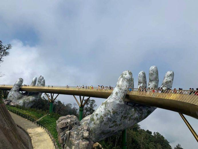 ba_na_hill_golden_bridge_altin_kopru