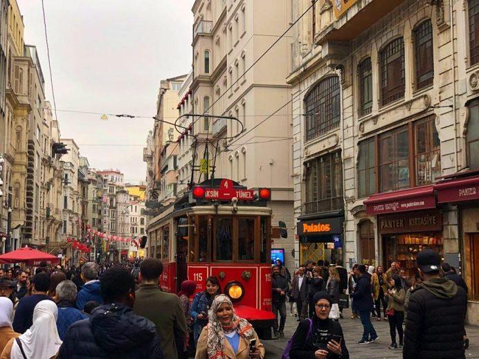 istanbul'da yapılacak şeyler görülecek yerler taksim istiklal